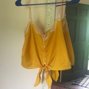 Yellow lace crop size L